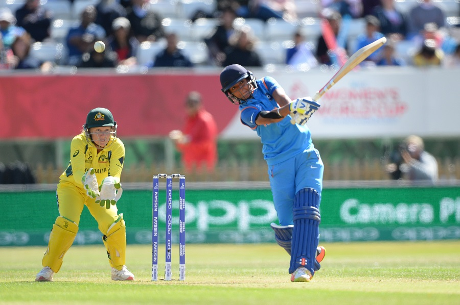 विडियो: हरमनप्रीत कौर की बल्लेबाज़ी देख पर मैदान के बाहर कप्तान मिताली और वेदा कृष्णमूर्ति ने किया था डांस वीडियो आया सामने