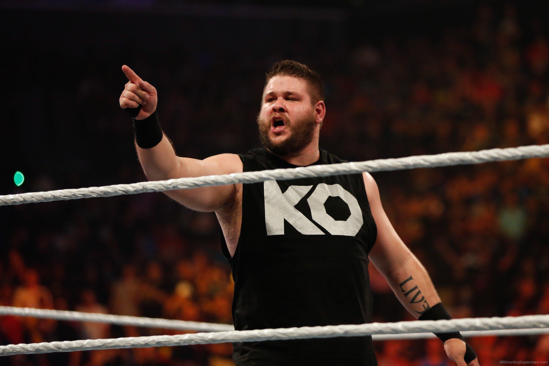 WWE NEWS: रैंडी ऑर्टन के बाद एक फैन ने भी केविन ओवन्स के साथ की बदतमीजी, शुरू हुआ सोशल वार