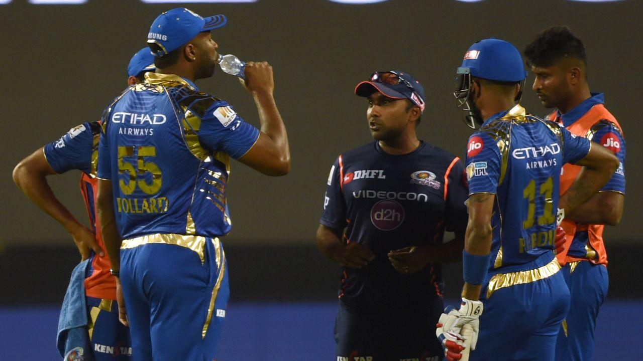 मलिंगा नहीं बल्कि मुंबई इंडियन्स के इस दिग्गज को अपनी टीम में शामिल करना चाहता है श्रीलंका 11
