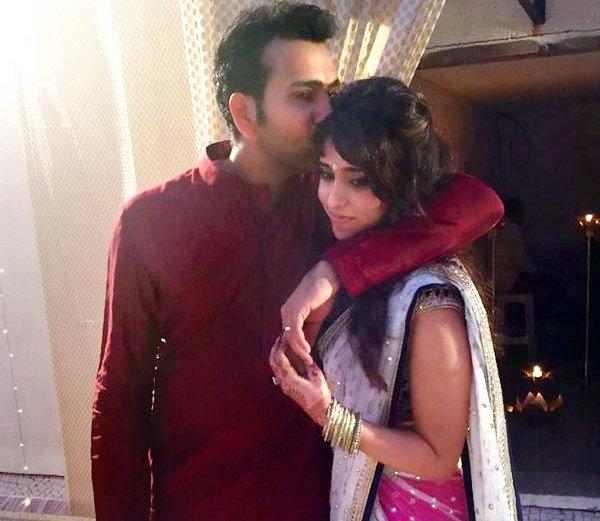 वायरल फोटो : भारतीय टीम का यह दिग्गज खिलाड़ी क्रिकेट से दूर पत्नी के साथ कुछ ऐसे बिता रहा है अकेले में छुट्टियाँ 54