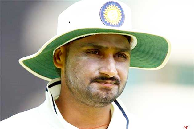 मुंबई इंडियंस और चेन्नई सुपर किंग्स नहीं बल्कि इस टीम से खेलना चाहते थे हरभजन सिंह, अब भावुक होकर कही ये बात 3