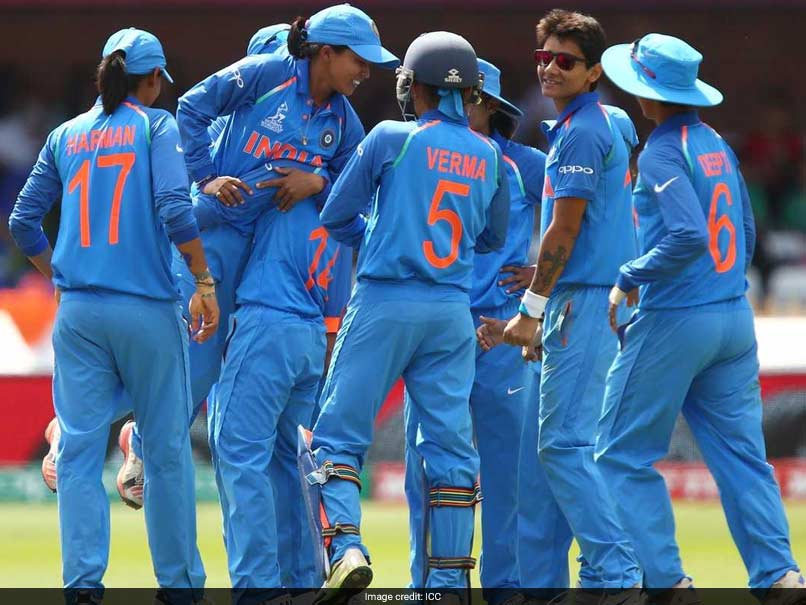 26 साल की इस भारतीय महिला गेंदबाज के सामने घुटने टेकी इंग्लैंड, भारत ने दी 8 विकेट से करारी शिकस्त 4