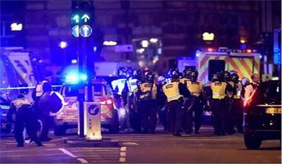 आतंकवादी हमले के पीड़ितों को श्रद्धांजलि देंगे युनाइटेड, बार्सिलोना
