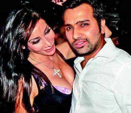 OMG: रोहित को हुआ दूसरी बार प्यार, पत्नी रितिका के भारत लौटते ही ये किसके साथ तस्वीर शेयर कर रोहित ने जताया प्यार