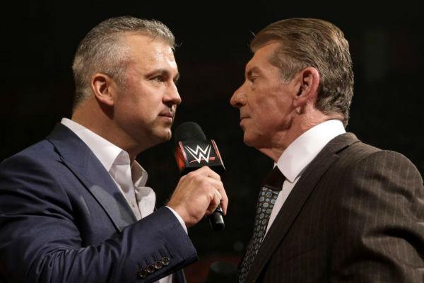 WWE NEWS: शेन मैकमोहन के सस्पेंड होने पर क्या उनके पिता विन्स मैकमोहन करेंगे मदद या फिर से दिखायेंगे अपना दोगलापन? 18