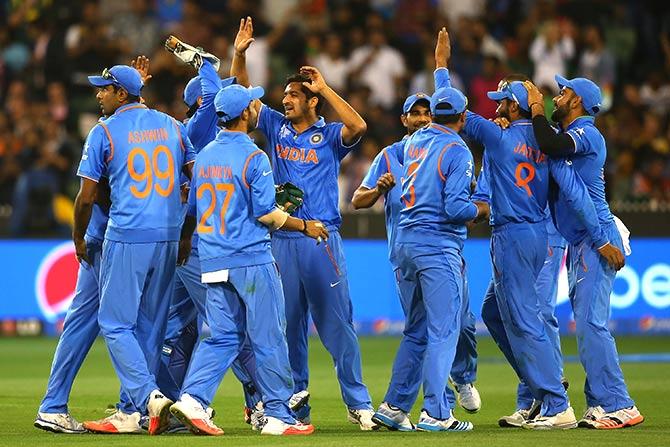 पहला वनडे जीतने के बाद भी ऑस्ट्रेलिया के खिलाफ दुसरे वनडे में एक बदलाव, इन 11 खिलाड़ियों के साथ कोलकाता में उतरेगा भारत