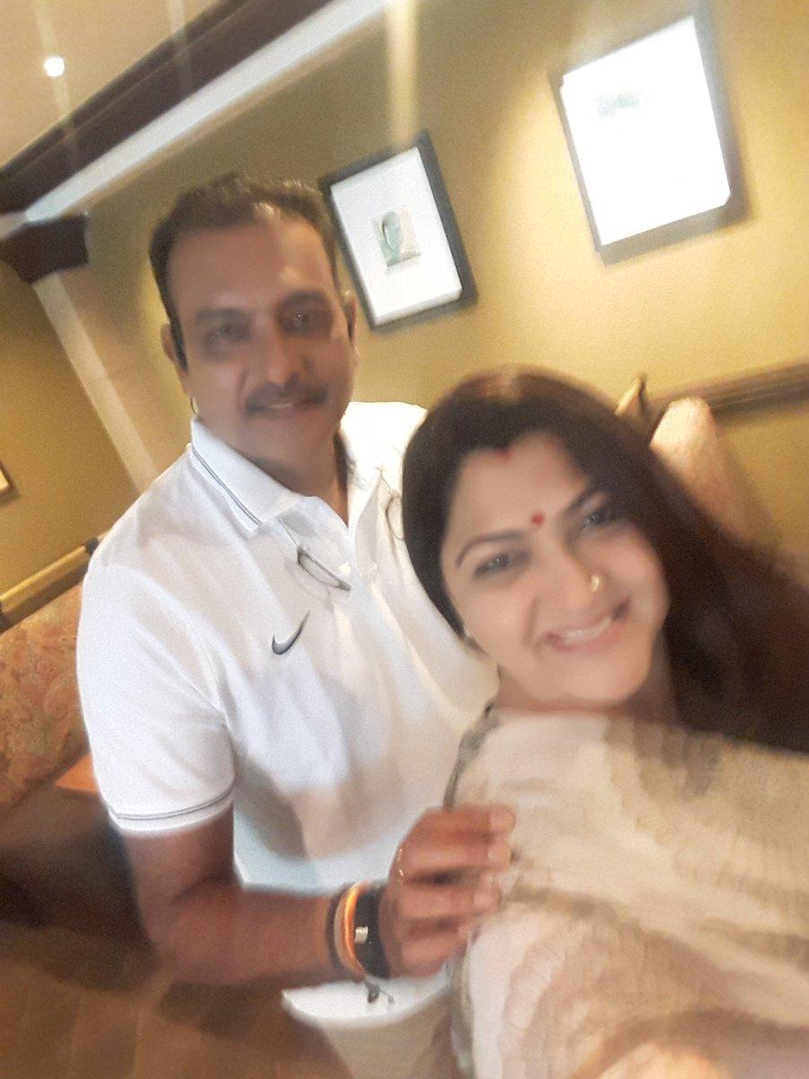 33 साल के लम्बे इंतजार के बाद आखिरकार मिल ही गया रवि शास्त्री के साथ प्यार भरे नगमें बिताने का मौका, जाने कौन है वह बाॅलीवुड हसीन