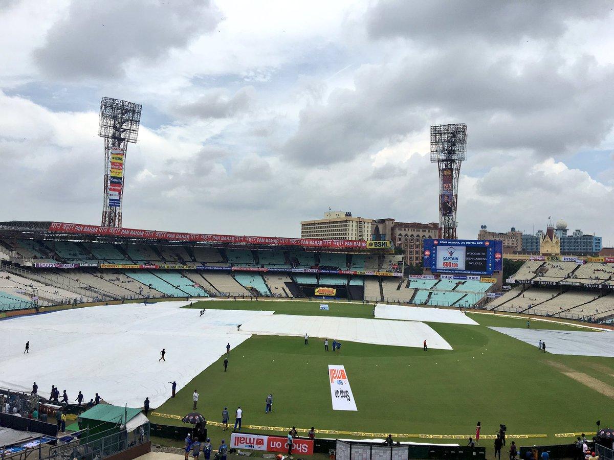 बुरी खबर: कोलकाता में शाम 7 बजे हो सकती है तेज बारिश, जाने पहले बल्लेबाजी या गेंदबाजी करने वाली टीम को होगा फायदा?
