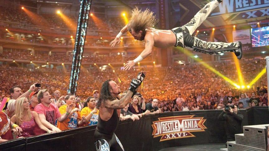 PHOTO: ये हैं WWE रेस्लरो की वो तस्वीरें जो उनके अंतिम मैच के समय ली गयी, 7 वीं तस्वीर देख हो जायेंगे भावुक
