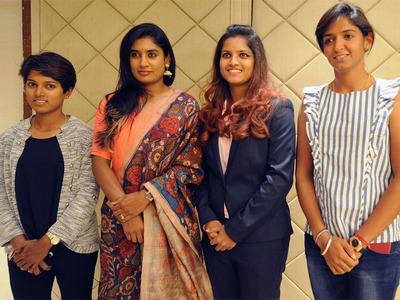शर्मनाक: जिस भारतीय महिला क्रिकेटर ने भारत को विश्वकप के फाइनल में पहुंचा किया भारत का सर ऊँचा उसी पर रेलवे ने ठोका 27 लाख का जुर्माना, जाने क्या है पूरा मामला 67
