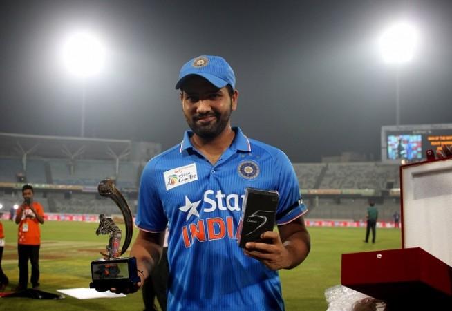 मैन ऑफ़ द मैच लेते हुए रोहित ने अपने व विराट को नहीं बल्कि इस खिलाड़ी को दिया जीत का पूरा श्रेय