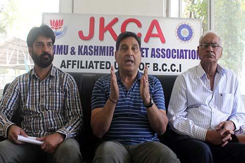 जम्मू-कश्मीर के चयनकर्ता ध्रुव महाजन ने इरफान पठान पर चयन प्रक्रिया में हस्तक्षेप का आरोप लगाकर दिया इस्तीफा 5
