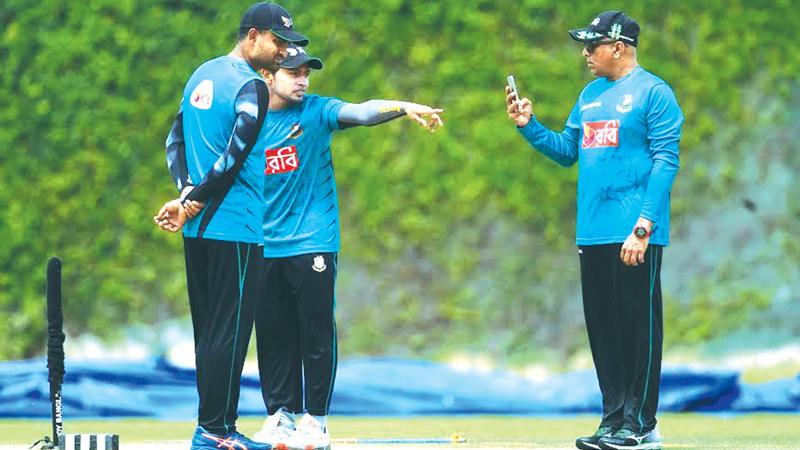 बांग्लादेश के शानदार प्रदर्शन में अहम भूमिका निभाने वाले इस दिग्गज के श्रीलंका टीम से जुड़ने की खबर से बांग्लादेश परेशान 43