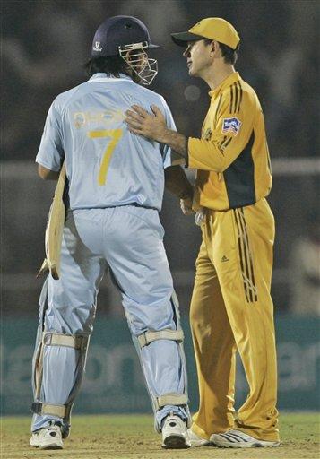 महेंद्र सिंह धोनी की कप्तानी में नहीं खेलना चाहता यह दिग्गज खिलाड़ी, इन्हें माना बेस्ट 2