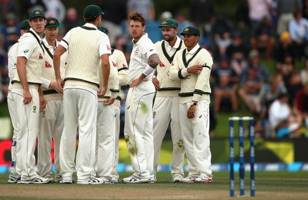 एशेज सीरीज से ठीक 50 दिन पहले ऑस्ट्रेलियाई टीम का लगा तगड़ा झटका, कंगारू तेज गेंदबाज चोट के कारण पूरी सीरीज से बाहर