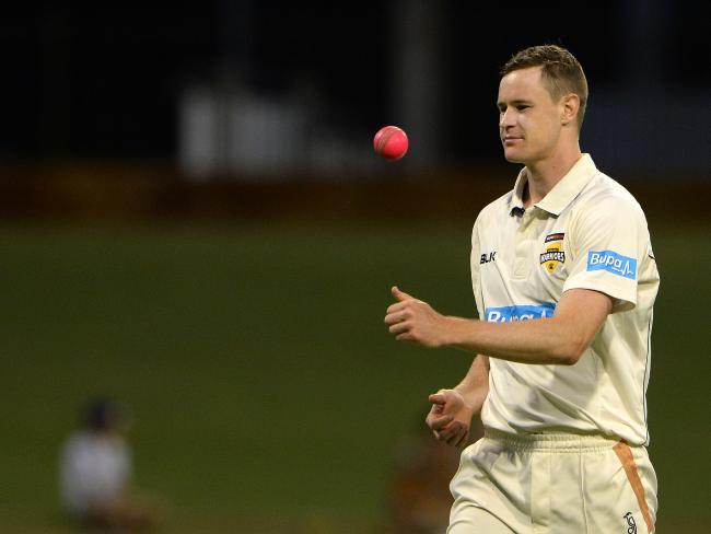 आॅस्ट्रेलिया के इस युवा गेंदबाज को एशेज सीरीज में खेलाने को लेकर लैंगर ने की वकालत, बताया टीम के लिए लम्बी रेस का घोड़ा