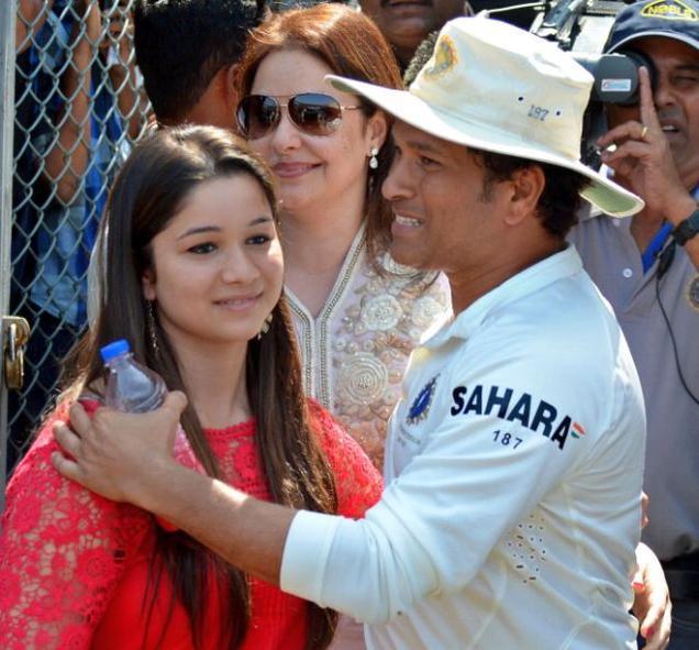 RUMOURS: सचिन तेंदुलकर की बेटी सारा तेंदुलकर का इस मशहुर हस्ती के साथ चल रहा हैं अफेयर, नाम सुनकर आपके भी होगी काफी हैरानी 8