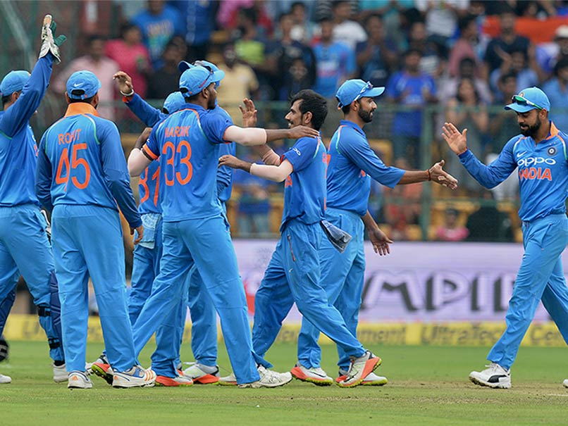 किसने क्या कहा: लक्ष्मण, मांजरेकर समेत सभी ने की भारत की तारीफ, लेकिन शेन वार्न ने कुलदीप यादव को ये क्या कह डाला