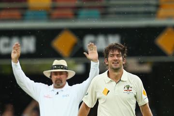 भारत और ऑस्ट्रेलिया के बीच सीरीज के आखिरी मैच में अंपायरिंग करने वाले इस दिग्गज अंपायर की हुई तबियत खबर, हुआ अस्पताल में भर्ती