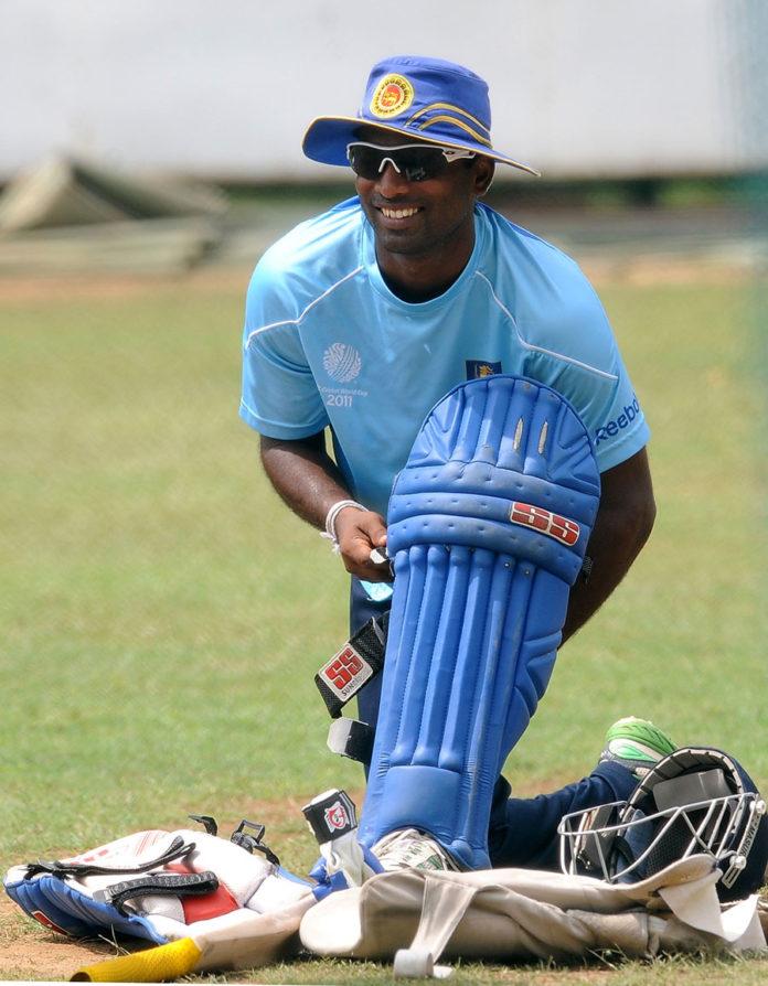 वीडियो- श्रीलंका के पूर्व खिलाड़ी चमारा सिल्वा ने खेला ऐसा शॉट देखकर नहीं रुकेगी हंसी, लोगो ने बनाया मजाक