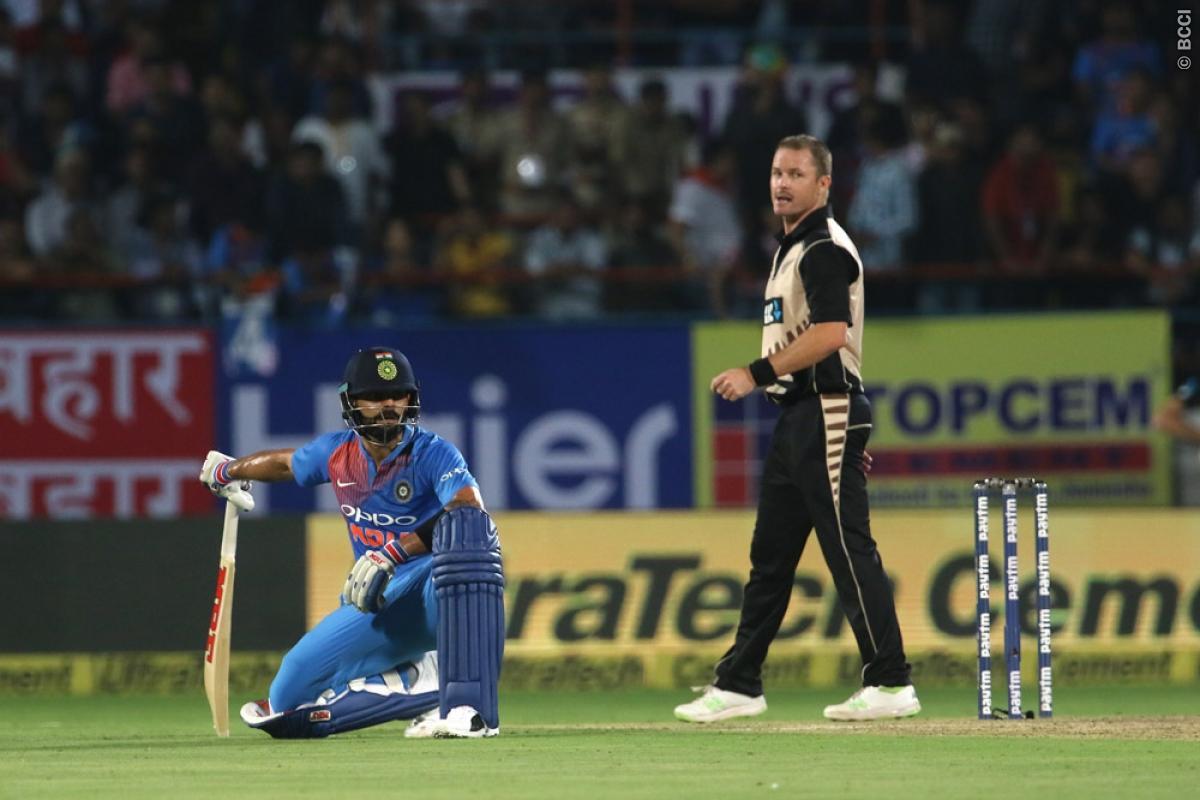 किसने क्या कहा: भारत के मैच हारते ही एक बार फिर से आलोचकों के निशाने पर धोनी, सर जडेजा और मोहम्मद कैफ ने कही ये बात