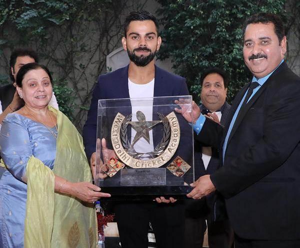 पहली बार महेंद्र सिंह धोनी पर आया विराट कोहली के बचपन के कोच का चौकाने वाला बयान