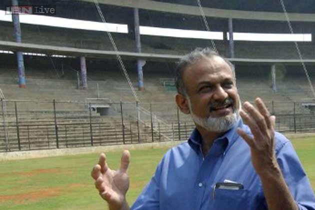आईपीएल 2020: बीसीसीआई ने प्रवीण तांबे के टूर्नामेंट में खेलने पर लगाई रोक, ये रही वजह 2