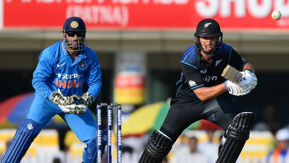 न्यूजीलैंड के कोच माइक हेसन ने कहा जीतना है तो विराट और रोहित को 15 गेंद के अंदर करना होगा आउट 1