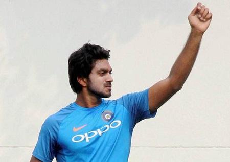 निदहास ट्राफी: करियर के दुसरे ही मैच में मैन ऑफ द मैच बनने के बाद हार्दिक पंड्या से तुलना करने वालो को विजय शंकर की फटकार, बोल गये ये बड़ी बात 4