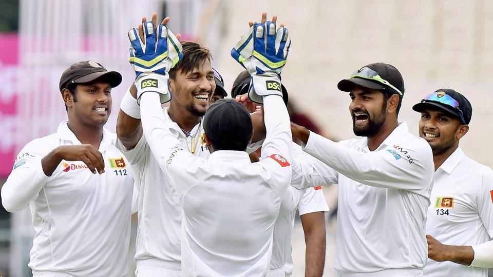 श्रीलंका के तेज गेंदबाज सुरंगा लमकल की मां ने इस भारतीय खिलाड़ी को बताया दुनिया का सर्वश्रेष्ठ बल्लेबाज