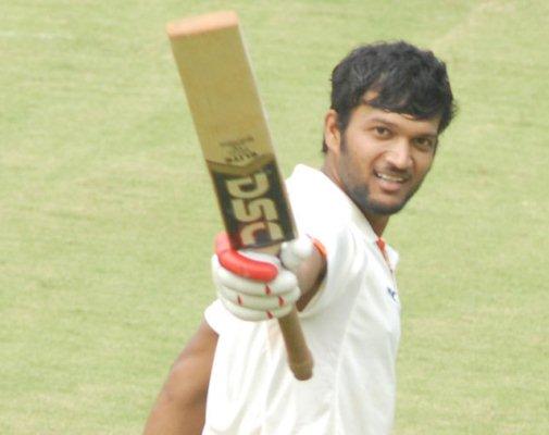 टीम में जगह न मिलने पर बीसीसीआई को खरी-खोटी सुनाने वाले इस खिलाड़ी को मिली चोटिल जयंत यादव की जगह 2