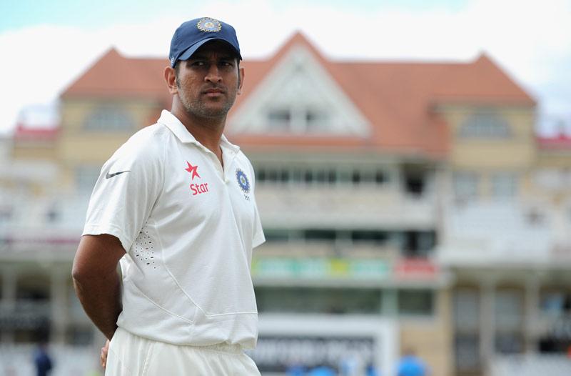 महेंद्र सिंह धोनी को इन तीन कारणों की वजह से नही लेना था टेस्ट क्रिकेट से बिना सोचे समझे सन्यास 17
