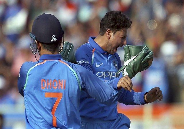 विशाखापट्टनम : श्रीलंका 215 रनों पर ढेर, इतिहास रचने से बस कुछ कदम दूर भारत