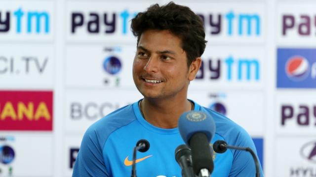 कुलदीप ने खोला राज 18 गेंदों में 45 रन लुटाने के बाद रोहित ने पास आकर कही ये बात