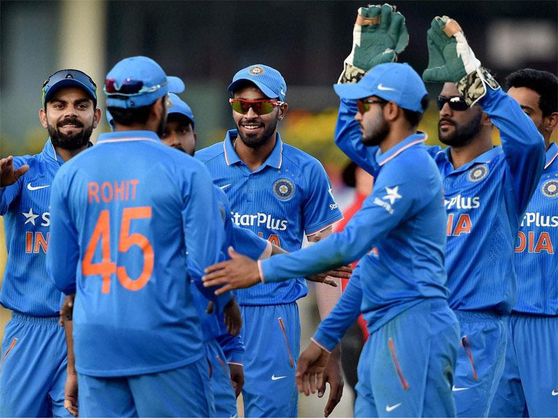 साउथ अफ्रीका दौरे के लिए चुनी गई 17 सदस्यी वनडे भारतीय टीम देखने के बाद समझ से बिलकुल परे है चयनकर्ताओ के ये 5 फैसले
