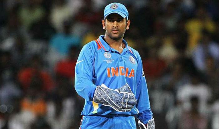 किसने क्या कहा: भारत के मैच हराने के बाद भी धोनी के दीवाने हुए लोग, आकाश चोपड़ा, कैफ सहित दिग्गजों ने की धोनी की तरफ