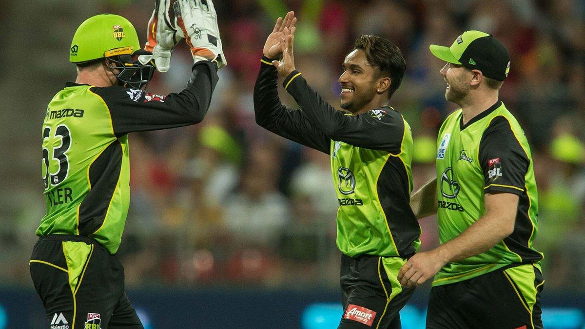 बिग बैश लीग के 11वें रोमांचक मुकाबले में होबार्ट हरिकेन्स को सिडनी थंडर ने दी 57 रनों से मात