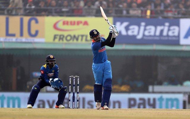 भारत बी को अपनी कप्तानी में देवधर ट्रॉफी का खिताब दिलाने के बाद स्टार भारतीय खिलाड़ी श्रेयर अय्यर ने कोहली पर लगाया ये विराट आरोप 4
