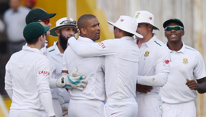 बड़ी खबर: दुसरे टेस्ट में भारत को 135 रनों से मात देने के बाद भी अफ्रीकन टीम में गम का माहौल, पूरी टीम पर लगा जुर्माना 55