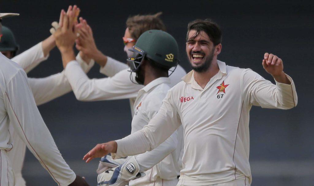श्रीलंका ने जिम्बाब्वे को पहले टेस्ट में 10 विकेट से हराया, सीरीज में बनाई 1-0 की बढ़त 1
