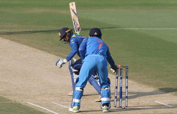 श्रीलंका के इस दिग्गज खिलाड़ी रसेल अर्नोल्ड ने धोनी की तारीफों के बांधे पूल 8