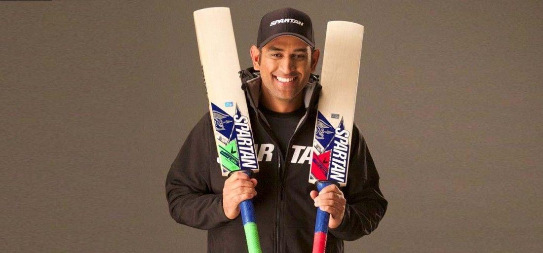 हे भगवान ! बल्ले पर सिर्फ स्टीकर लगाने के इतने पैसे लेते हैं ये क्रिकेट खिलाड़ी