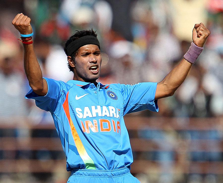 अशोक डिंडा ने अपने कोच से की बद्तमीजी, रणजी टीम से हुए बाहर 8