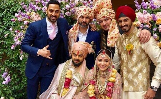 शादी के आयोजन में चार चाँद लगाने वाले लोगों को विराट कोहली ने दिया खास तोहफा तो अनुष्का ने भी जीता दिल