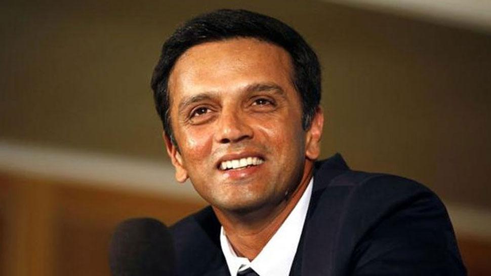 पाकिस्तान को हराने के बाद कोच राहुल द्रविड़ के साथ भारतीय टीम ने कुछ ऐसे मनाया पाकिस्तान पर मिली जीत का जश्न 62