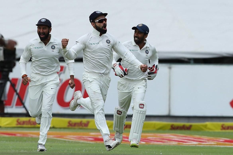 भारतीय टीम ने जीत की तरफ बढाए कदम तो सचिन और हरभजन समेत दिग्गज खिलाड़ियों ने इस अंदाज में बढाया उत्साह 31