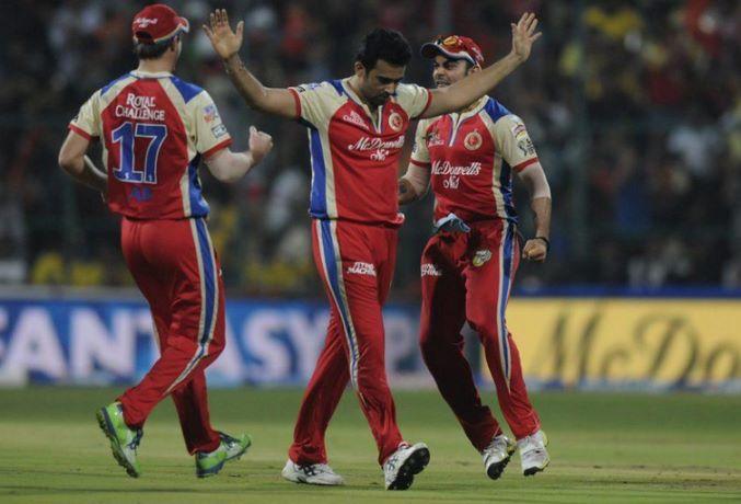 IPL 2018: आईपीएल के इतिहास की सबसे पहली गेंद डालने वाला यह दिग्गज गेंदबाज अब बतौर खिलाड़ी नहीं आयेगे आईपीएल में नजर 47