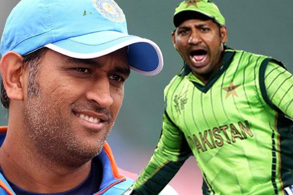 इस पूर्व दिग्गज ने कहा महेंद्र सिंह धोनी को करनी चाहिए पाकिस्तानी कप्तान सरफराज अहमद की मदद