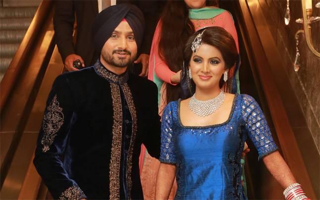 हरभजन सिंह ने बीवी के सामने कबूला, श्रीलंका की गर्लफ्रेंड ने सिखाया था इंग्लिश