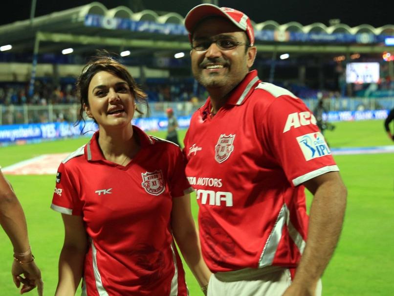 विडियो: एक भी आईपीएल मैच ना खेलने वाले इस खिलाड़ी की फैन्स फॉलोइंग को देख सहवाग भी रह गये हैरान, KXIP के इस खिलाड़ी को दिया 'बाहुबली' का नाम
